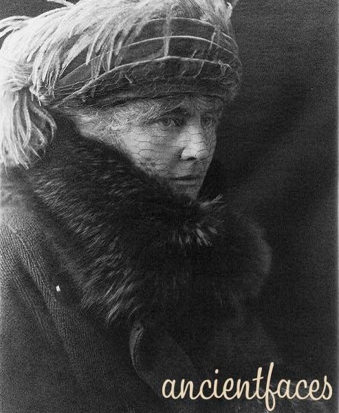 First Lady Lou Henry Hoover   Lou Henry Hoover, First Lady and wife to President Herbert Hoover. Interesting to note, their house in Palo Alto CA is the official residence of the President of Stanford University. [ Source First Lady Lou Henry Hoover - Palo Alto CA ]