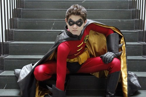 buckybird:  TIm Drake: RobinThe Robin who earned his wings  Photo by Rodney BrownBoston Comic-Con 2012   You look so badass!!!