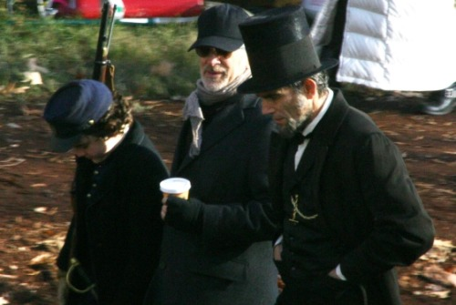 popculturebrain:  Set Photo: Daniel Day Lewis As Abraham Lincoln With Spielberg | Vulture I don't see any vampires?