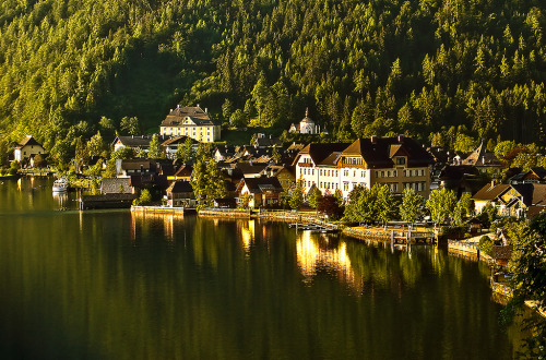 keepcalmandtraveltheworld:  Hallstatt, Austria  In those woods, behind the church and slightly to the right. <3