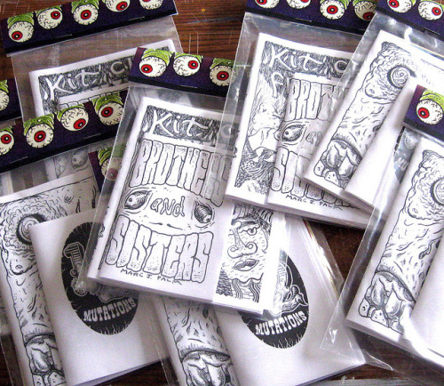 marcjpalm:  5 eyes on Flickr. Five mini comics packaged up together in a bag with a paper header.  Four out of the five comics included are collaborative to some extent with artists like: Max Clotfelter Tim Miller Billis Helg and Nikki Burch