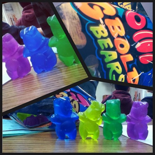 becacisneros:  LOL Nathan is building a gummy bear army(: lol yeah this is what we do in ajemians class #gummybears #candy #bored (Taken with Instagram at Mills High School)