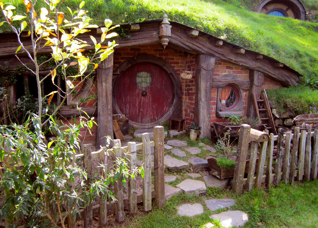 willwork4pirates:  I will live in a hobbit hole one day.