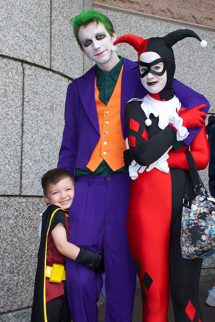 cosplayingchildren:  Robin has never looked this happy to be with the Joker and Harley in his life.