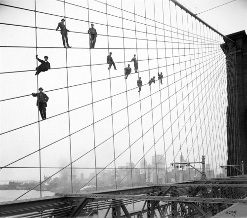 "Painters hanging on the Brooklyn Bridge in 1914 via ""A History of New York in 870,000 Photographs"" (MSNBC's PhotoBlog)"