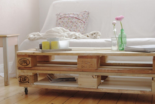 la chouette. Black Bedroom Furniture Sets. Home Design Ideas