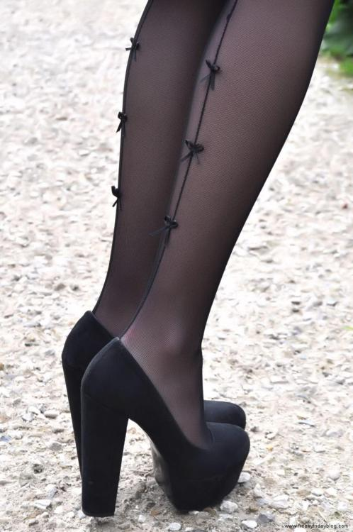 asmereth:  Love the shoes, love the stockings!