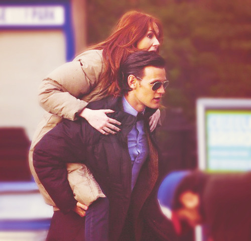 doctorwho:  Matt and Karen. From this month's shoot in Brooklyn Bridge Park  :))