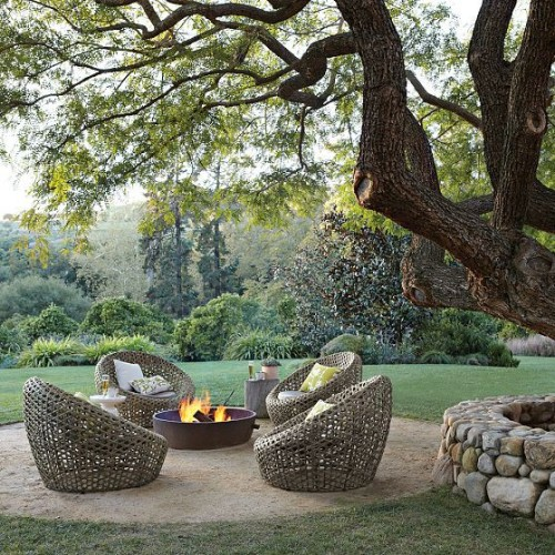 georgianadesign:  West Elm firepit and chairs.