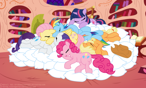 fisherpon:  Pillow Ceasefire (animated) by ~Electronvolt