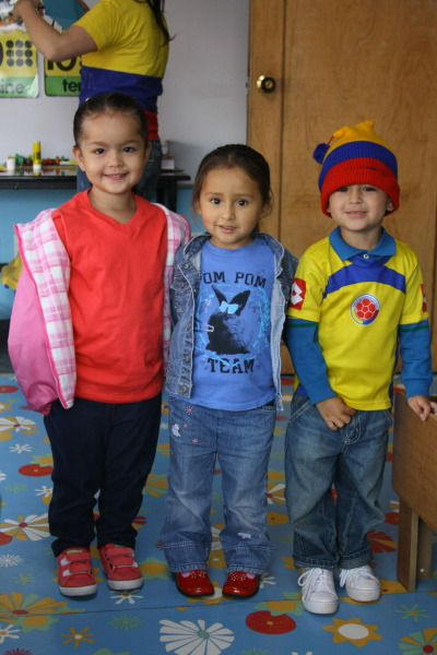 Today was Colombian day at the school, so everyone dressed in their Colombian shirts, or without their uniforms :)