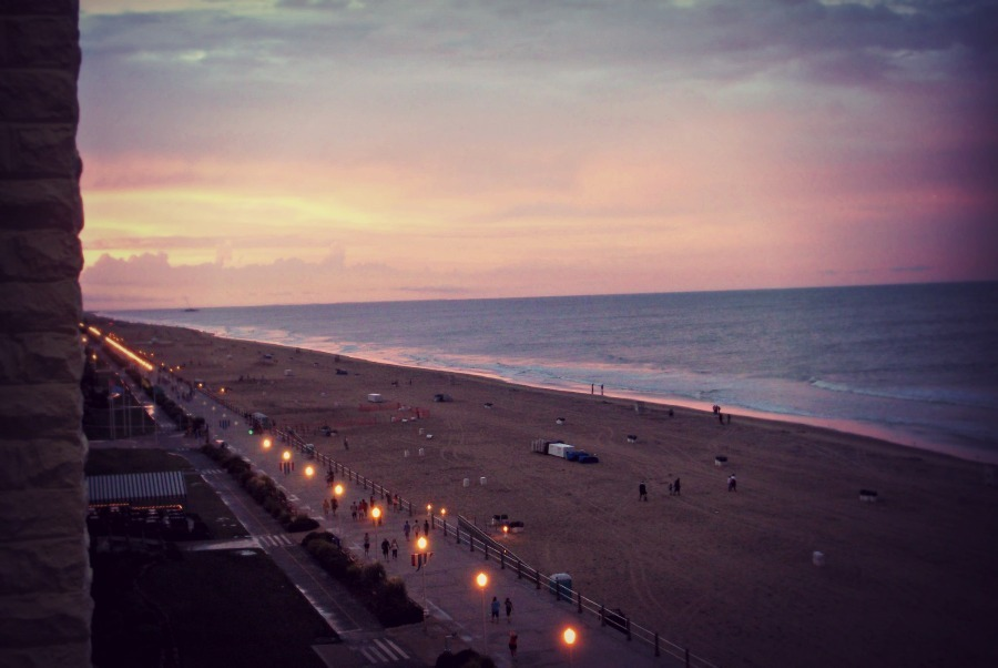 heyitsthatoneshittyurl:  Took this at Virginia Beach; it was such a gorgeous night.  I used to go running down this boardwalk when I was stationed at Norfolk. ^_^