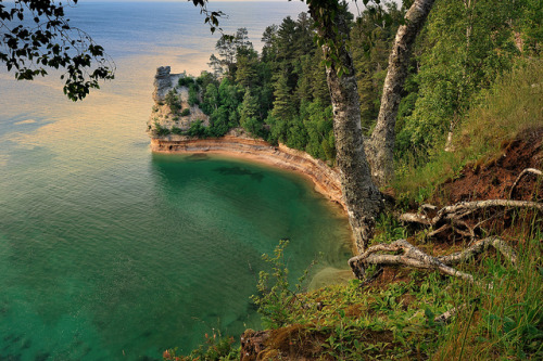 "aestheticmichigan:  ""Miners Castle"" Pictured Rocks National Lakeshore - Munising , Michigan by Michigan Nut on Flickr."