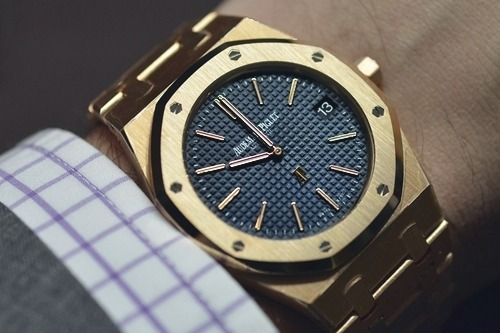 This timepiece is part of the Royal Oak series of Audemars Piguet.