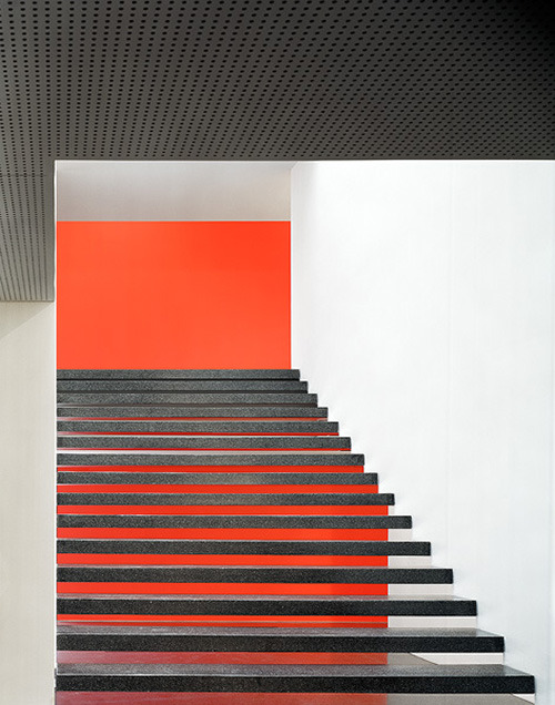 subtilitas:  Baumschlager Eberle - Hilti headquarters, Schaan 2006. Via Eduard Hueber.  Yet another set of gorgeous stairs!