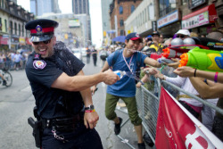 supchaz:  generat0r:  this is the cutest photo i've ever seen  TORONTO POLICE. THEY BE MY NIGGAS.