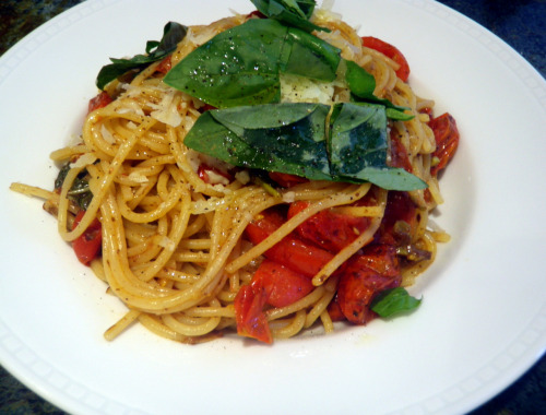 This looks rather yummy! I'm totally gonna try this!  theartoffood:  Pasta With Northern Italian Tomato Sauce Ingredients: 1.5 pints cherry tomatoes 4 cloves garlic 1 lb fresh lasagna or 1 lb linguine pasta Olive oil 2 tablespoons butter 1/4 cup balsamic vinegar 4 oz Parmesan cheese Fresh basil Salt and pepper To Make: Cut tomatoes into halves. Peel and slice the garlic. Pick off the basil leaves and set aside.  If using lasagna sheets, cut them into 3 or 4 long strips. Grate Parmesan cheese. Boil large pot of salted water for the pasta.  In a large frying pan, heat up some olive oil and the butter. Add in the garlic and saute for 30 seconds. Add the tomatoes and stir. Add in a bit of chopped basil. Add the balsamic vinegar and season with salt and pepper.  Drop your pasta into the boiling water and cook until al dente. 3 minutes if using lasagna sheets or follow the package instructions for linguine. Drain when done and reserve a bit of cooking water. Add pasta to frying pan and give it a good toss. Add a splash of pasta water and half the Parmesan cheese. Taste and season with salt and pepper.  Serve in bowls with a sprinkle of Parmesan cheese and the basil leaves.  Enjoy!