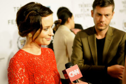 chuletafrita:  Emily Blunt at Tribeca's Film Festival! on Flickr. one of my best photos from my first press event! :)  Emily Blunt!