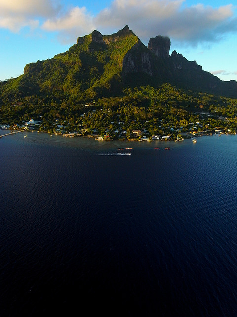 visitheworld:  Mount Otemanu in Bora Bora seen from a kite, French Polynesia (by Pierre Lesage).