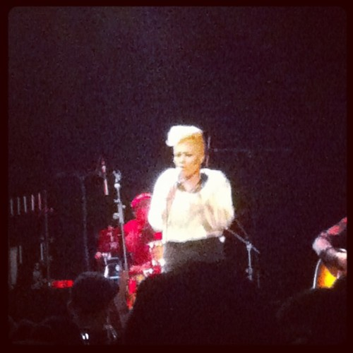 Yes yes @emelisande at billyburg music hall #brooklyn #mykindalove #yuna #emeli #grime  (Taken with instagram)