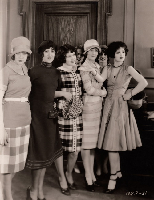 clarabowarchive:  Fab Flappers ☆ Clara Bow (age 22) shows off her fashionable friends ☆ Rough House Rosie (1927) ☆