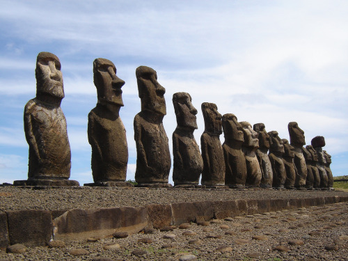 amazingplacesaroundtheworld:  Easter Island, Chile