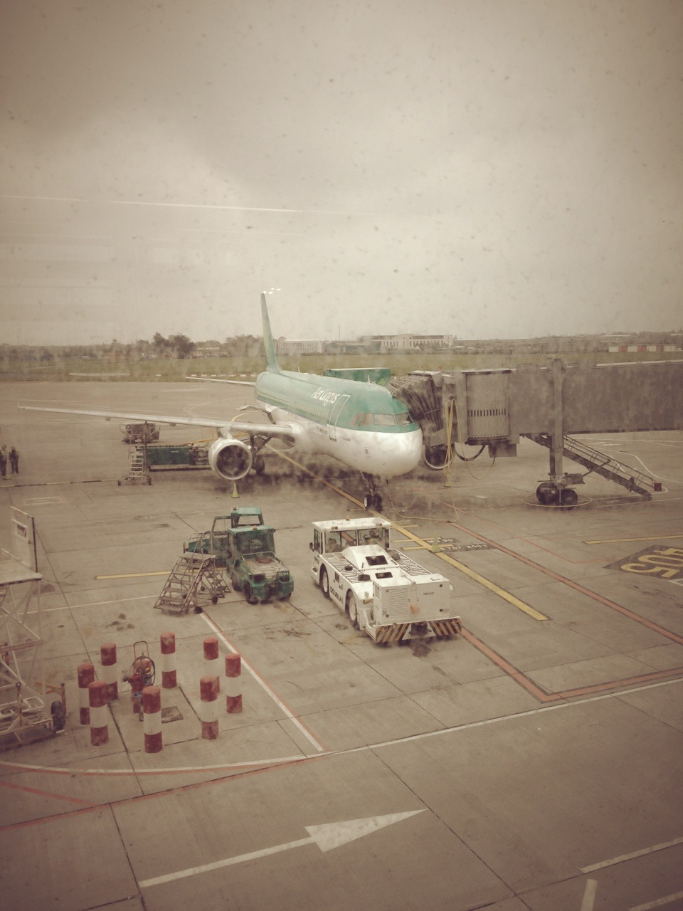 A filthy, filthy morning in Dublin… waiting for my flight back to London.