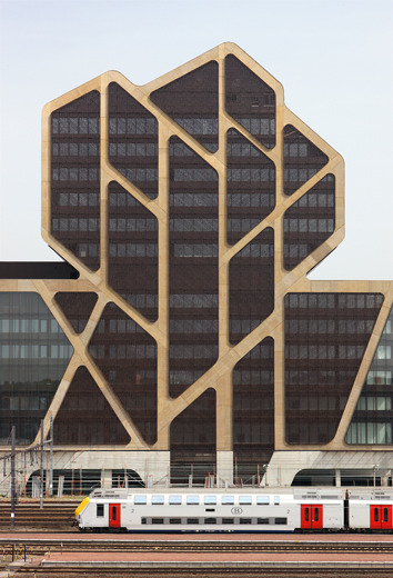 kazu721010:  Court of Justice of Hasselt / J. Mayer H.