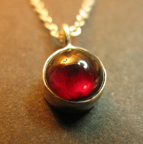 Quango-Bingo makes: Quangocircles! This is a silver and garnet pendant I made for a friend's birthday. She's a proper jeweller, so I was feeling the pressure a bit while I was making it. It is also a present for everyone who contributed to, commented on, reblogged, liked and messaged me about my Quangocircles project. You guys are also proper jewellers!