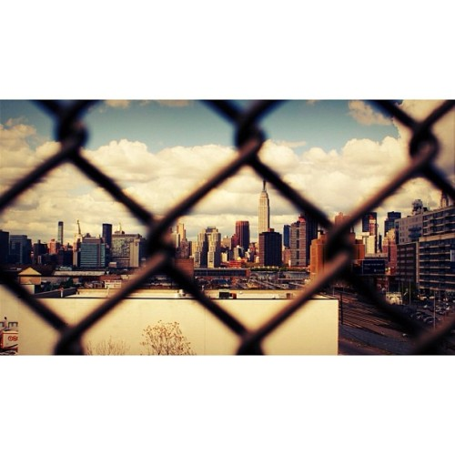 Empire State of Mind #throughthefence #newyork  (Taken with instagram)