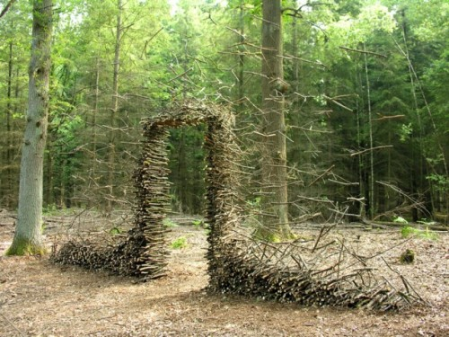 soulpancake:  fer1972: Gravity-Defying Land Art by Cornelia Konrads via Colossal