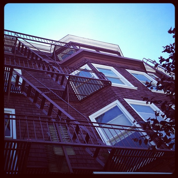 #art #sky #stairs #tree #building #architecture #arch #design #view #igerssf #sf #sanfrancisco  #popular #photosoftheday #bayarea  (Taken with instagram)