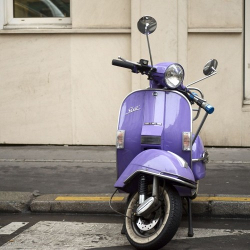 Vespa in pastel colorsif you want to see more posts like this, click here…