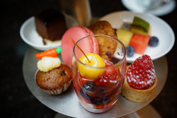 diet-killers:  Attractive Afternoon Tea Dessert (by The Westin Shanghai)