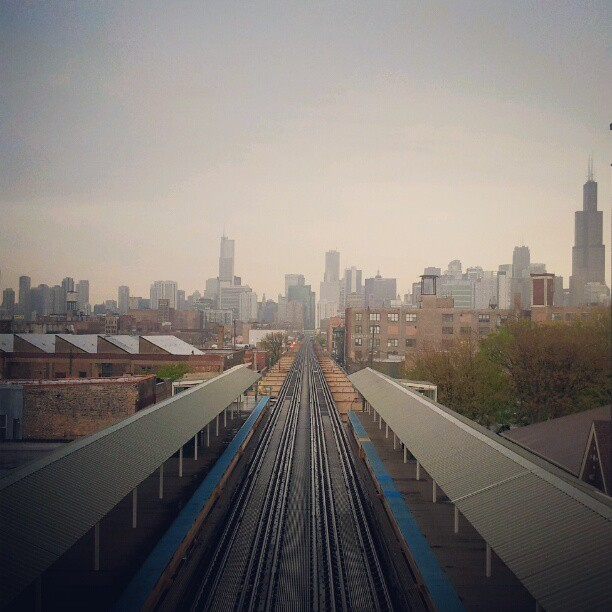 hello #chicago #skyline #city #metropolis #gotham #buildings #train (Taken with instagram)