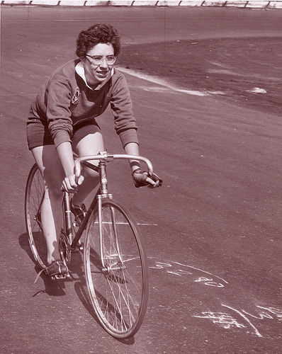 Nancy Neiman, 1955. (by Paris-Roubaix)