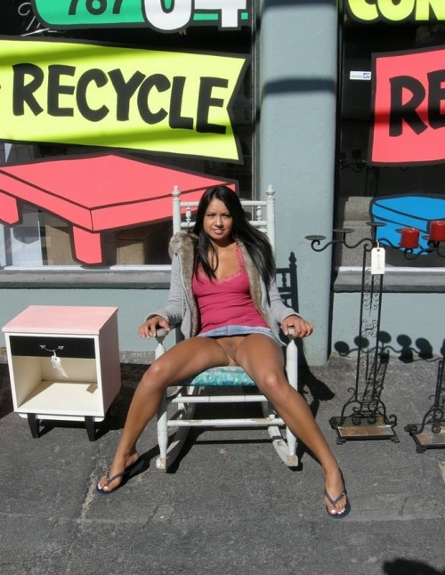 Recycled wife in sale ! :p