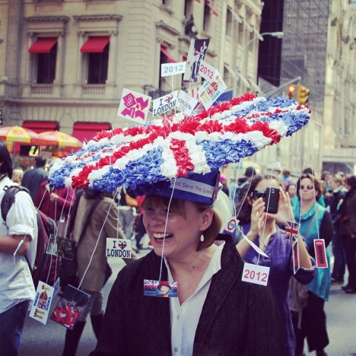Another photo from the Fifth Avenue Easter Parade. Made a video too http://bit.ly/Icqgj6 #fashion #style (Taken with instagram)