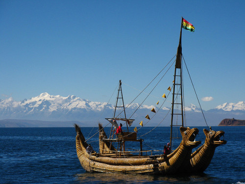 Sailing on Lago Titicaca, Bolivia (by Crunchy-P).