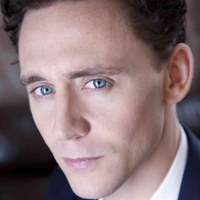 Tom Hiddleston - Red Necklace Audio Book