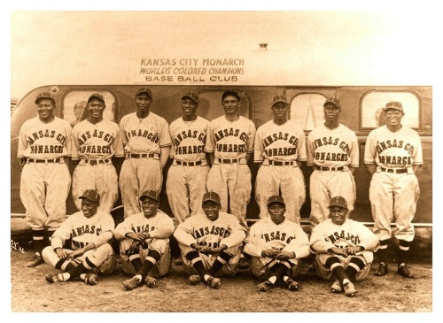 1936 Kansas City Monarchs Team Great team, great uniforms and a great bus too!