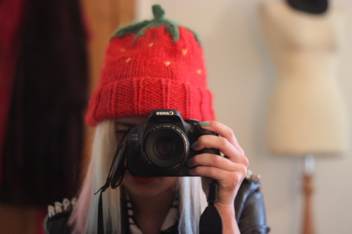 New lens! I got the Canon 50mm f1.8 lens. I LOVE it! It's so dreammmyy and the blurred backgrounds are beaut.
