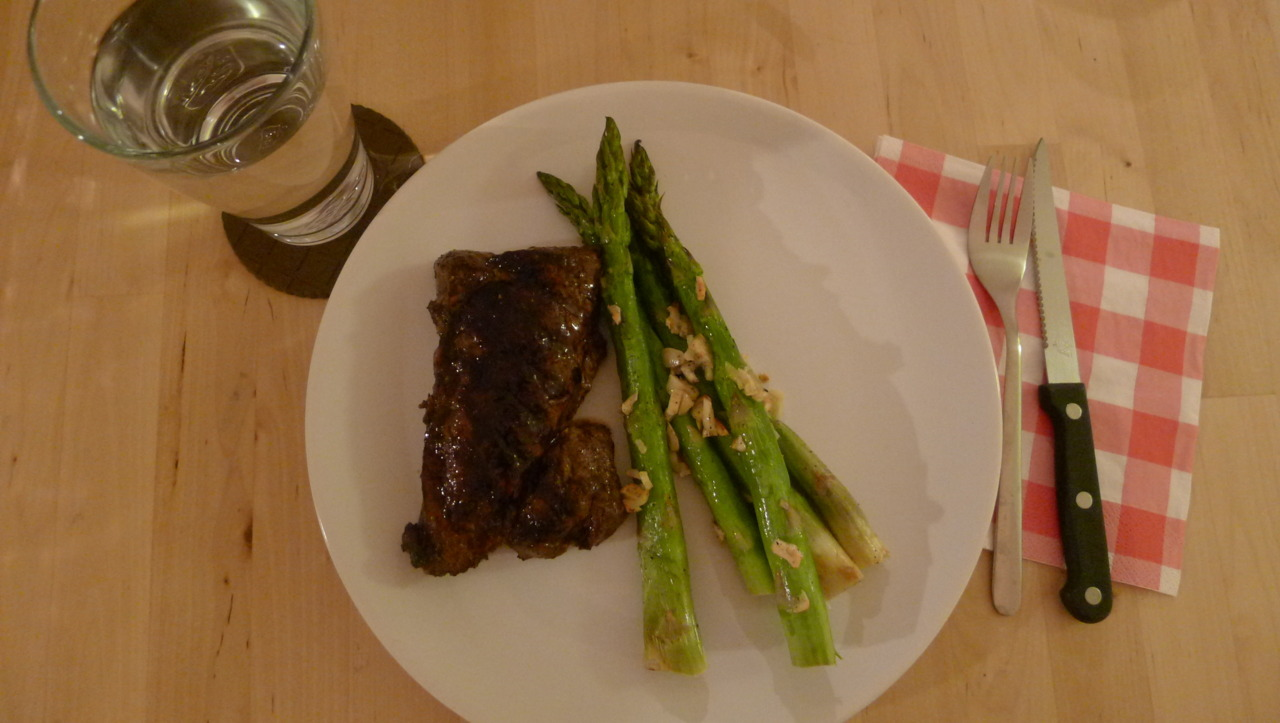 Can never go wrong with a simple steak and asparagus