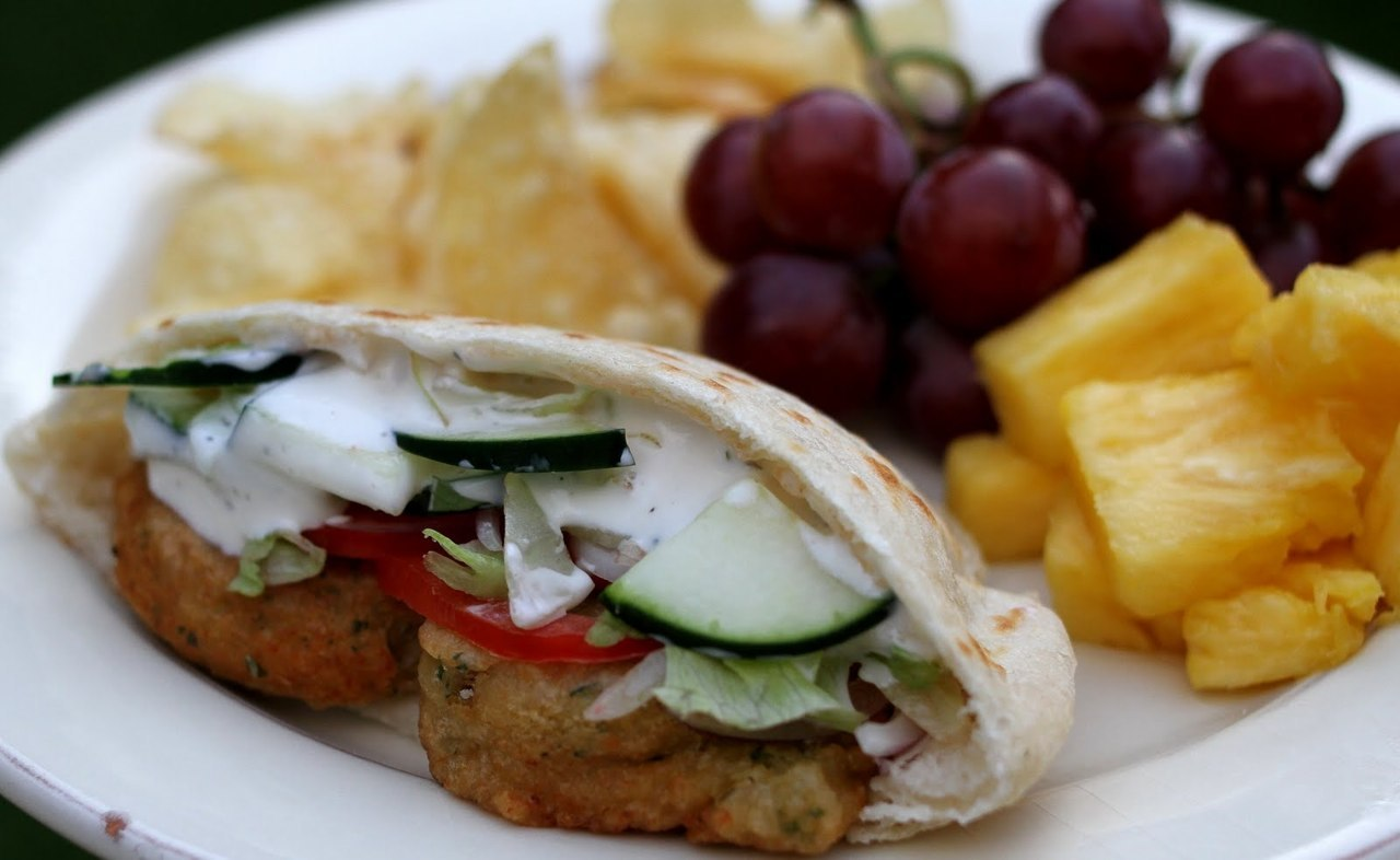 Falafel Wraps with Fruit