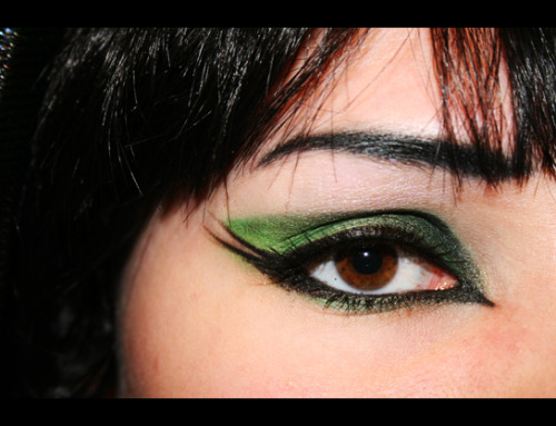 Cybergoth makeup try… I'm pretty pleased.