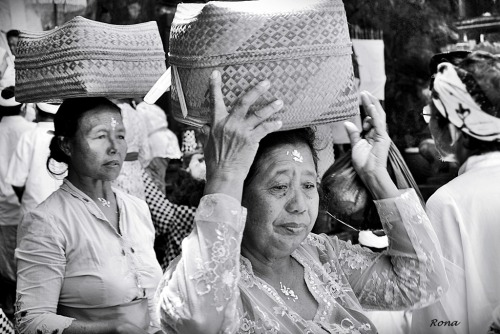Balinese Women after praying… -Bali, April 2012-