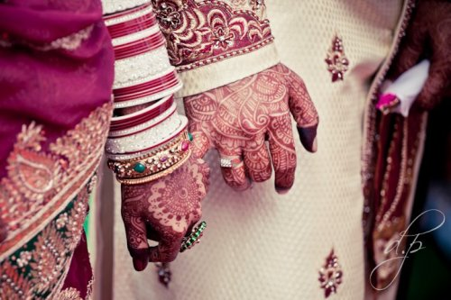 beautifulindianbrides:  Groom's wearing henna and doing a pinky promise !