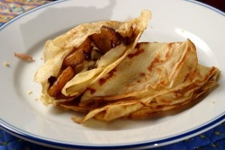 Crêpes with Chocolate and Caramelized Bananas