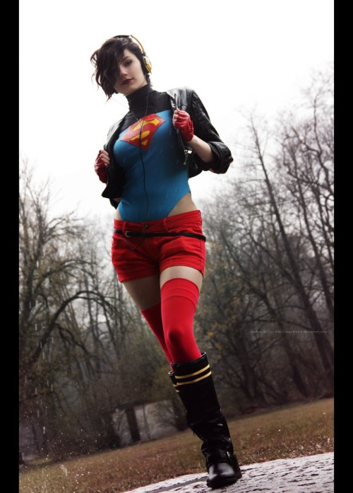 cosplayroyalty:  Rule 63 Superboy Kon Elle by schpog