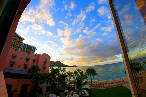 gofuckingnuts:  View through a room window at the Royal Hawaiian | Flickr – Compartilhamento de fotos! on We Heart It. http://weheartit.com/entry/25269850